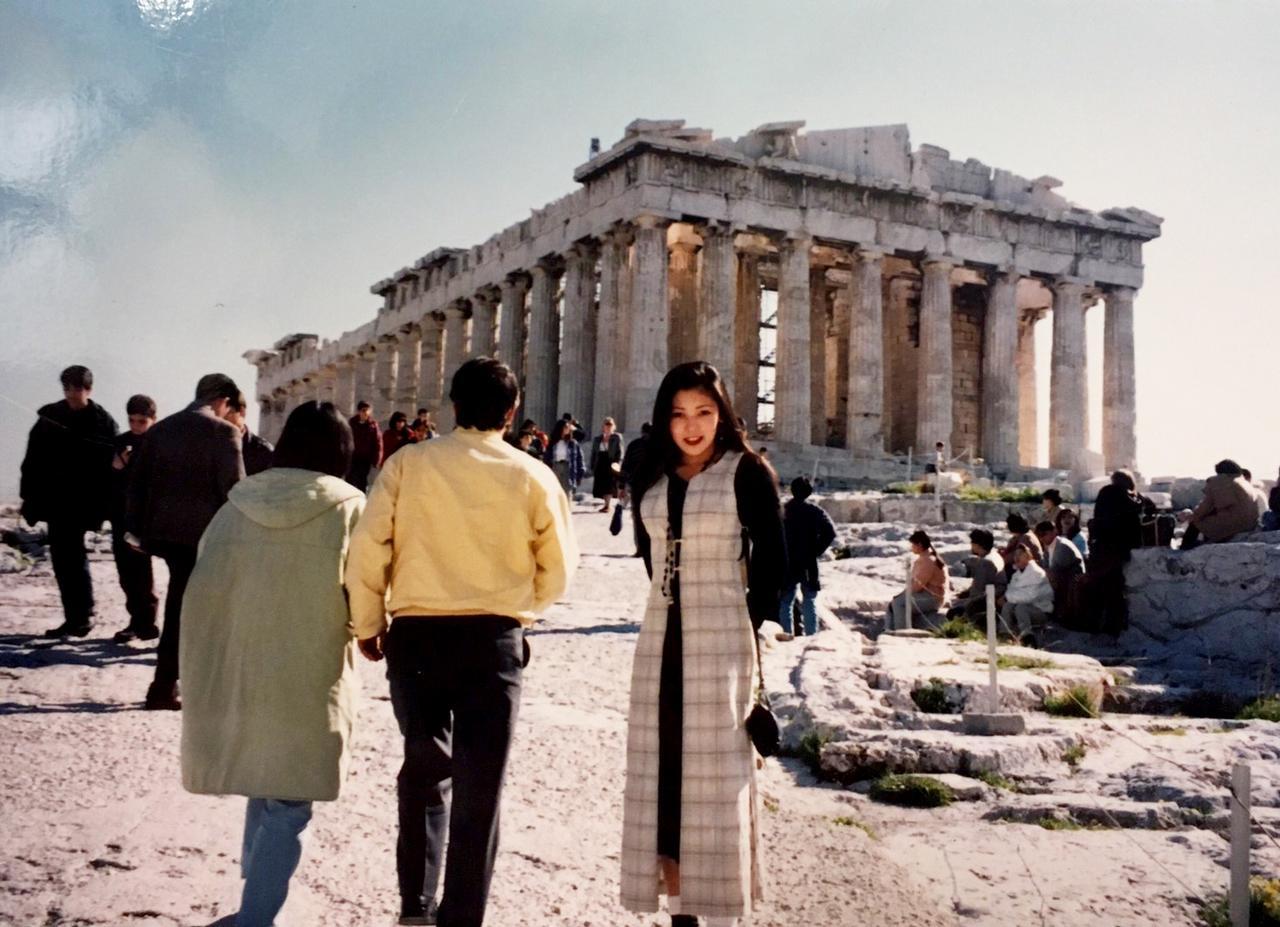 画像: 25年前、大学生の頃に旅したギリシャ。このときもバイクを現地で借りて、友達と2人乗りで走ったんだ。