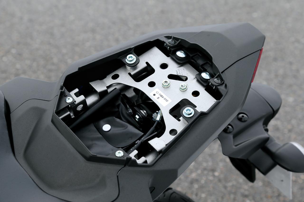 Images : 11番目の画像 - 「スリムなボディにトルキーなエンジン走りを磨き抜いた痛快ミドル!『YAMAHA MT-07 / MT-09』#試乗インプレ(2014年)」のアルバム - webオートバイ