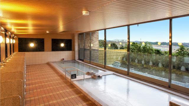 画像: 無料ループバスをつかえば、サーキット内の「のぞみの湯」も利用できます。絶景の露天風呂も。