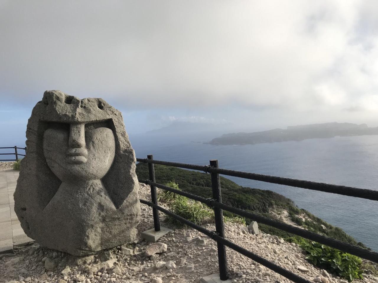 Images : 6番目の画像 - 新島で見つけたモヤイ像 - webオートバイ