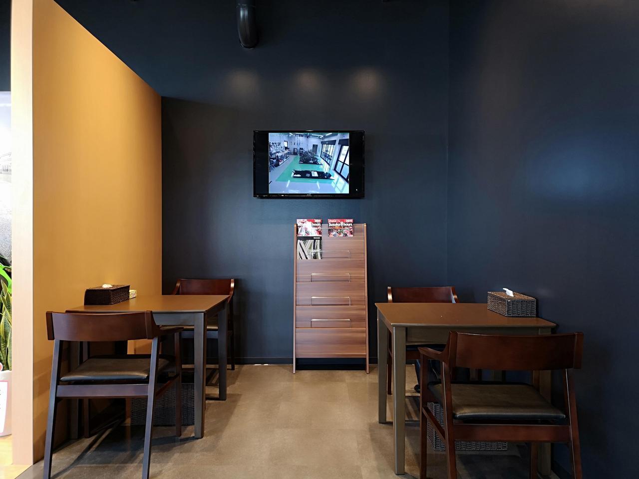 画像: アンティークカフェを思わせる、落ち着いた休憩スペースもあるので気軽に立ち寄りたいですね!