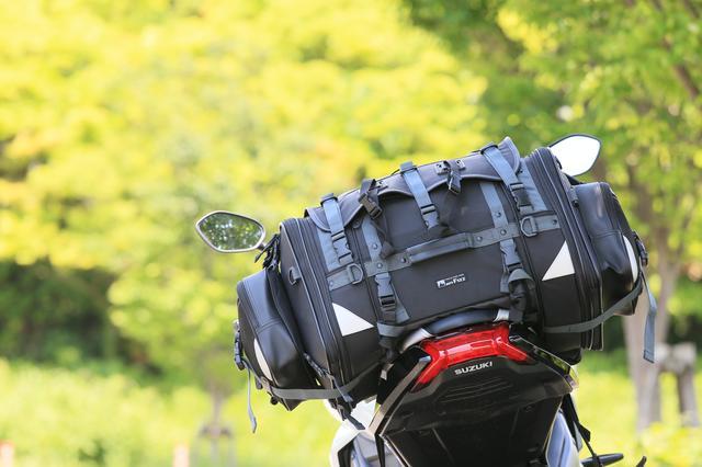 画像: タナックスの大人気製品「キャンピングシートバッグ2」。持ってる! という人も多いのでは?