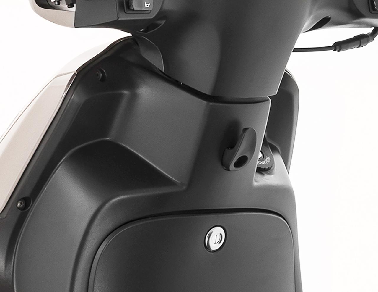 Images : 2番目の画像 - プジョー「ツイート 150 ABS スペシャルエディション」の細部を見る! - webオートバイ