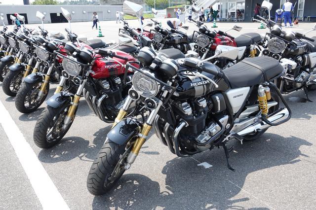 画像: 大型二輪クラス(大型二輪種)…使用車両:ホンダ CB1100RS