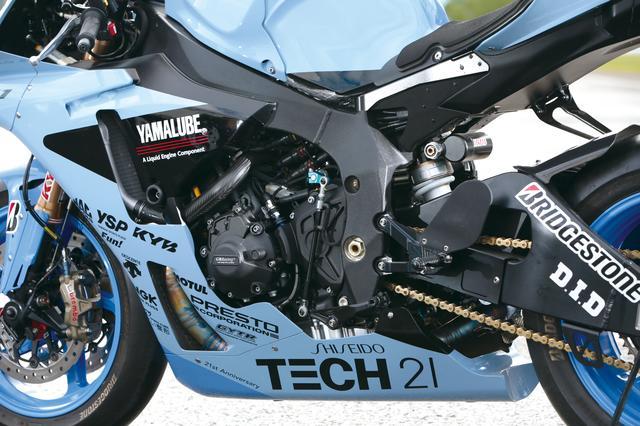 画像: クロスプレーンコンセプトに基づく「CP4」エンジン。ケースガードはGBレーシング製。