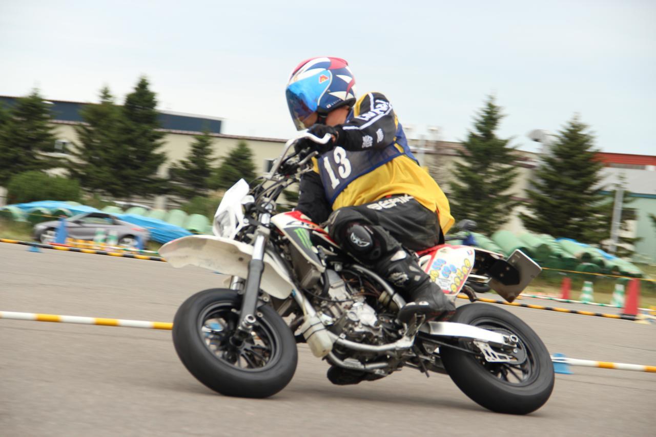 画像: ミニバイク仲間の江間聡選手(Bクラス)CRF150RⅡ