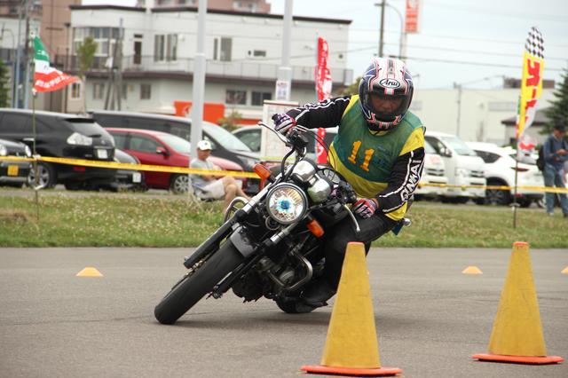 画像: 岡田憲之選手(Cクラス)VTR250 関東で活躍している旭川出身のライダーです