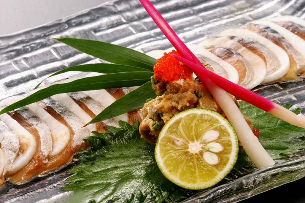 画像: ⑤福井県「鯖のへしこ」/一切れでご飯一膳・ビール一杯いけちゃう味の濃さ!