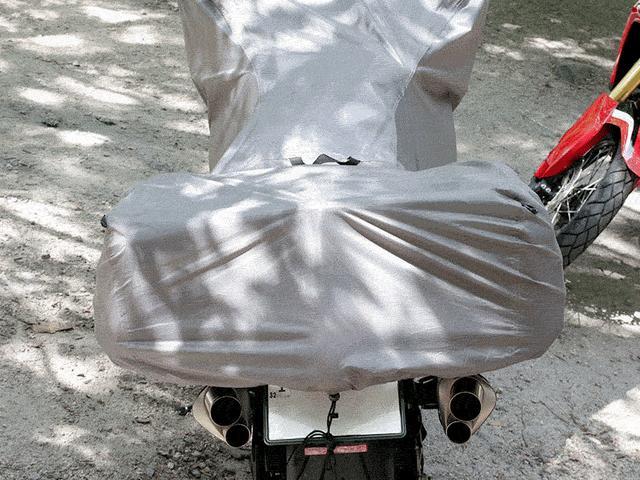 画像: サイドバッグに対応したリア形状となっています。