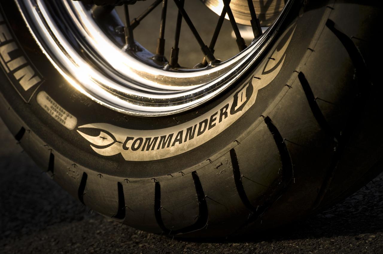 画像2: 広報車を使えないタイヤテスト。編集者が所有する古いハーレーに履かせて、撮影することに
