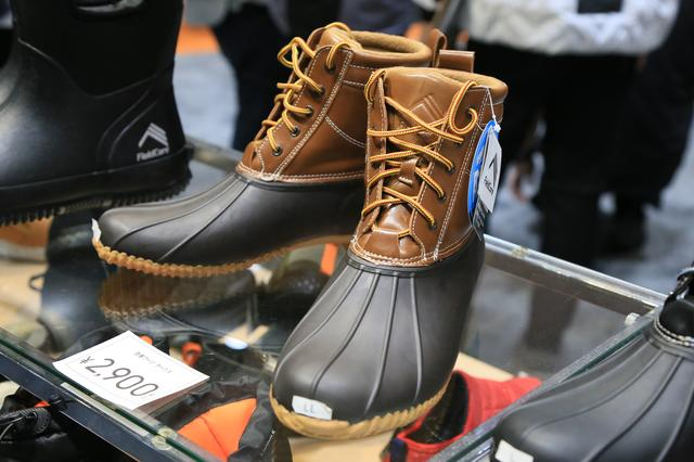 画像: ボア内装で暖かいビーンブーツ風の防水ブーツも税込2,900円!
