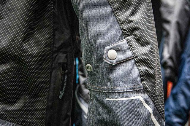 画像1: 【第4位】360°どこからでもリフレクト効果がある防水防寒ジャケット! 5800円〜