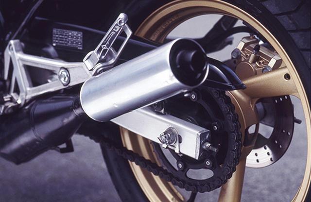 画像11: RZシリーズの最終型となった1988年デビューの5世代目「RZ250R(3HM1)」