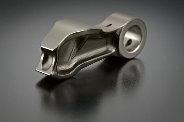 画像: スズキ「GSX-R1000R ABS」に採用されているフィンガーフォロワーは、摺動抵抗低減のためDLC(ダイヤモンドライクカーボン)コーティングが施されている。