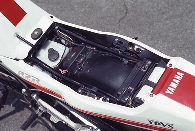 画像7: RZシリーズの最終型となった1988年デビューの5世代目「RZ250R(3HM1)」