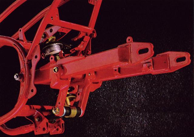 画像14: RZシリーズの最終型となった1988年デビューの5世代目「RZ250R(3HM1)」