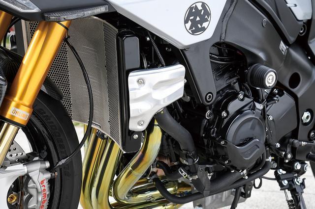 画像: ラジエーターコアガードやエンジンスライダー、樹脂製のエンジンカバースライダーはそれぞれ製品化&市販化済み。サイドフィンは取材時点では開発中だった。