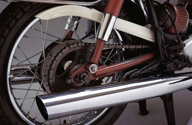 画像11: オートバイの生産開始直後からレースで活躍したヤマハの市販スーパースポーツ