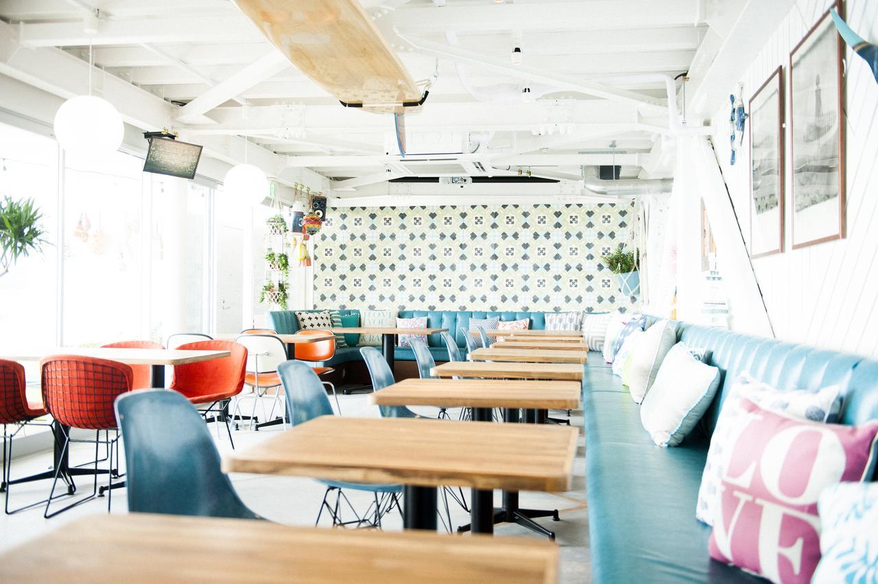 Images : 3番目の画像 - 「POST」は海を見渡すおしゃれなカフェレストラン - webオートバイ
