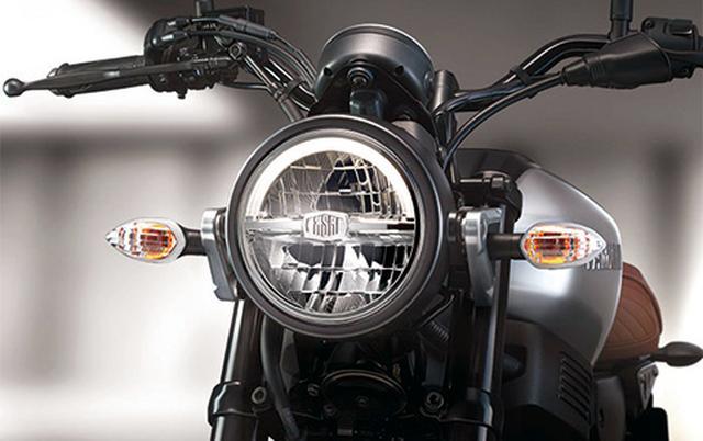 画像: 大きなヘッドライトは、700や900と同様にケースをブラックアウトした仕上げ。