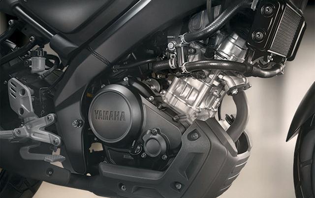 画像: YZF-R15譲りのOHC4バルブエンジンはなんとVVTつき。俊敏な走りにも期待したい。