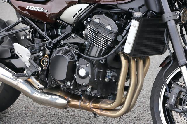 画像: エンジンは、Z900用をベースに吸排気系など各部を改良。低中速回転域での力強いトルク重視のパワーフィールに仕立てている。最高出力は111PS。