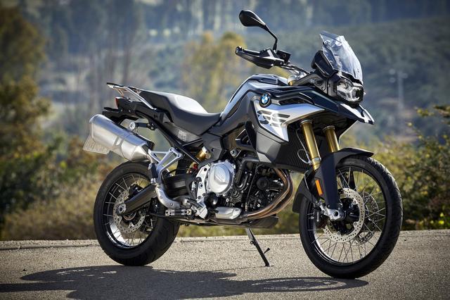 画像: BMW F 850 GSもスマートキーシステムを採用。