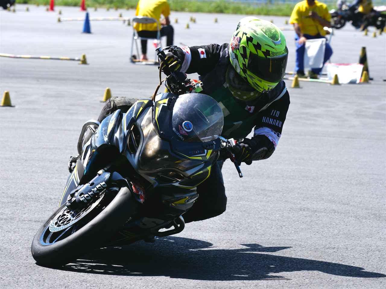 画像: レディス1位 伊藤華子選手(C1)&GSX-R1000 1分33秒675