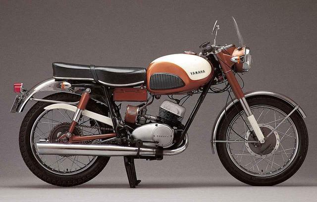画像: YAMAHA <YDSシリーズ Part.1> 浅間火山を駆け抜けたYDレーサーの市販車「YDS-1」-1959〜1962年-【心に残る日本のバイク遺産】2サイクル250cc史 編 - webオートバイ