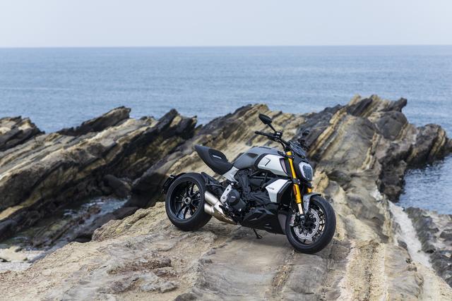 画像2: Ducati/Diavel1260S