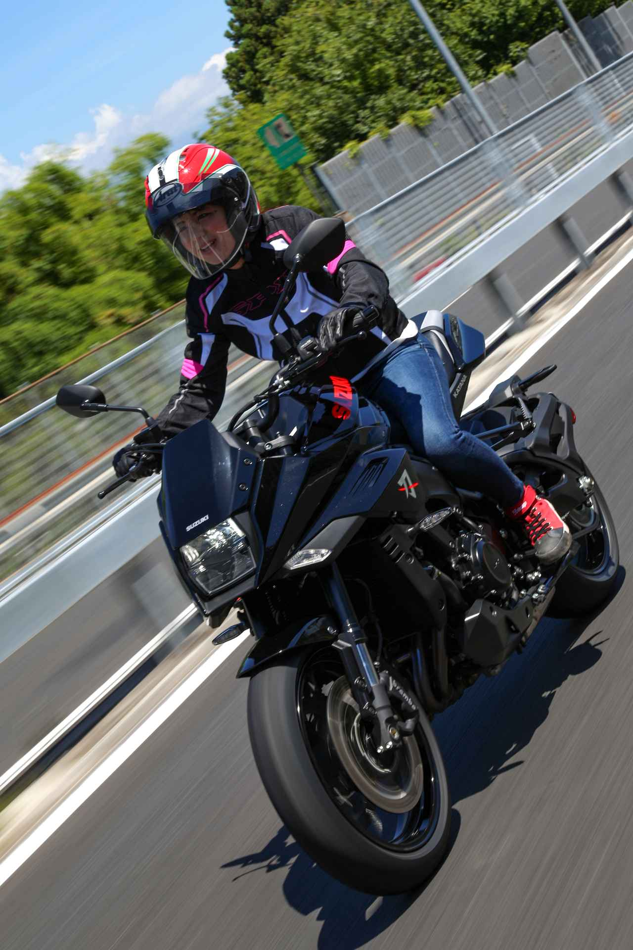 Images : 2番目の画像 - 【ゆるふわ 3枚刃】スズキKATANA試乗レポート!(梅本まどか) - webオートバイ