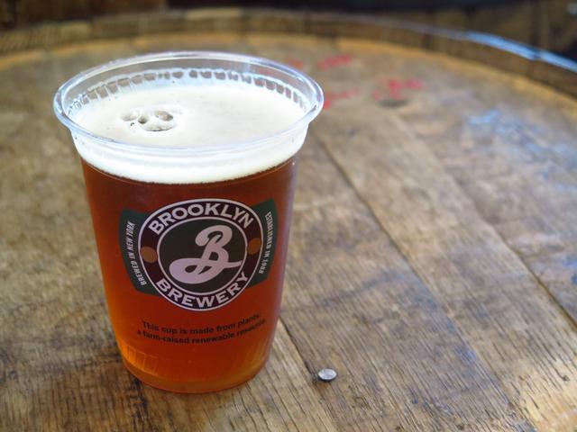 画像: こっちはブルックリンブルワリーの工場で飲んだビール。