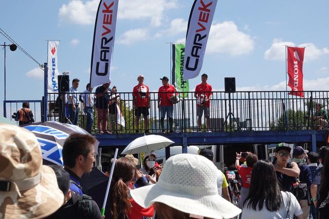 画像9: レースの合間には、パドックも楽しめる!