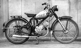 Images : 日米富士自転車 ベビーランナー 1954年