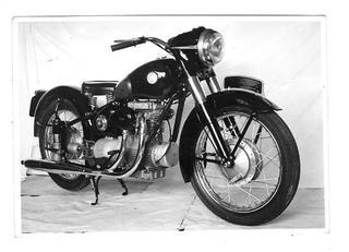 北川自動車工業ライナーTW 1955 年