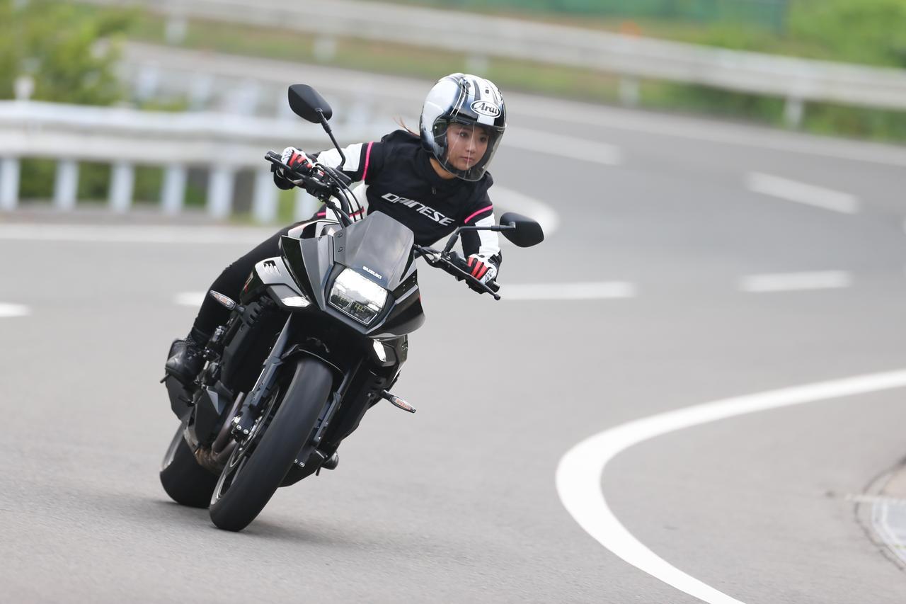 Images : 3番目の画像 - 「平嶋夏海の「つま先メモリアル」(第5回:Suzuki KATANA)【ゆるふわ 3枚刃】」のアルバム - webオートバイ