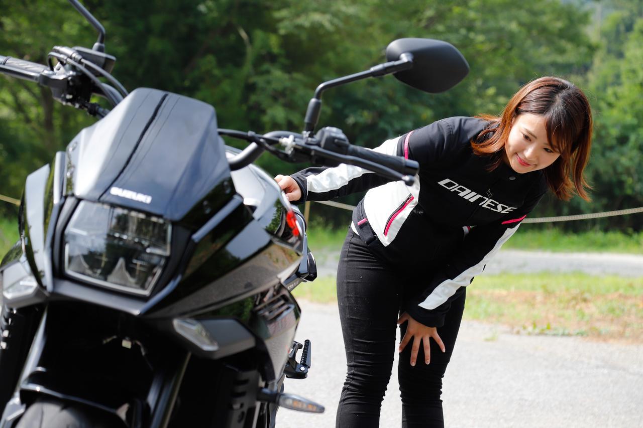 Images : 14番目の画像 - 「平嶋夏海の「つま先メモリアル」(第5回:Suzuki KATANA)【ゆるふわ 3枚刃】」のアルバム - webオートバイ