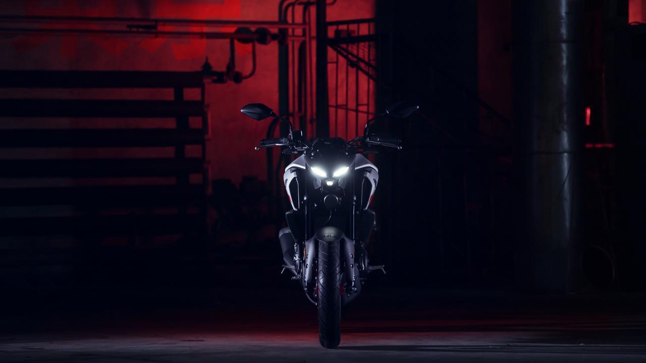 画像: 【速報】マスクが一変! 新型「ヤマハMT-03」がヨーロッパで発表に!(動画アリ) - webオートバイ