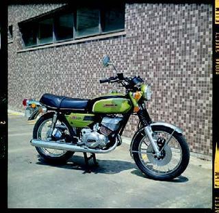 スズキ GT250B 1972 年 5月
