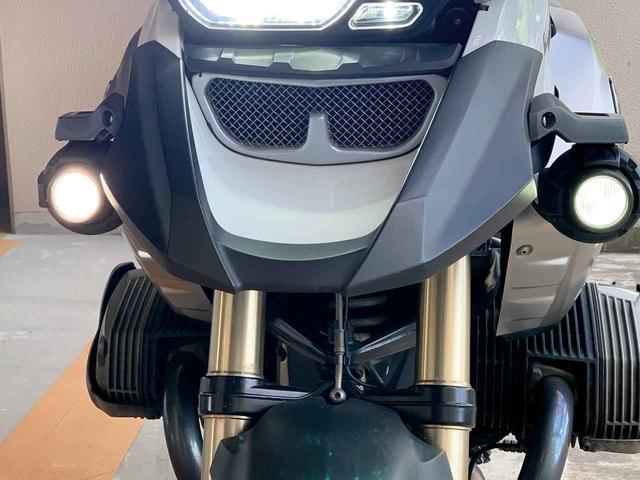 画像: 明るいことは明るいけれど…どうなの?『SKR H11バルブ対応LEDバルブ』#ギアーズ自腹deTEST - webオートバイ