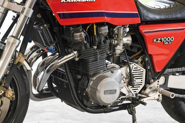 画像: エンジンは'77年製Z1000(φ70mm×66mm)を基にCPキャリロ社製φ76mmピストンで1197cc化。ヘッドもツインプラグ化し、カムはWEB製でIN:0.435リフト、EX:0.395リフトの別品番を装着。バルブはZ1000J用STDのIN:φ31mm、EX:φ37mmで各1mmずつ拡大。