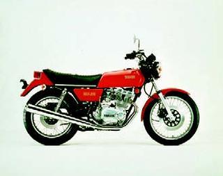 ヤマハ GX500 1976 年 4月
