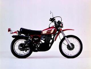 ヤマハ XT500 1976 年2月