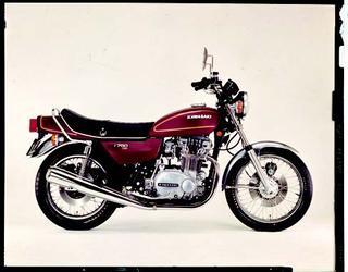 ヤマハ Z750T 1976 年 3月