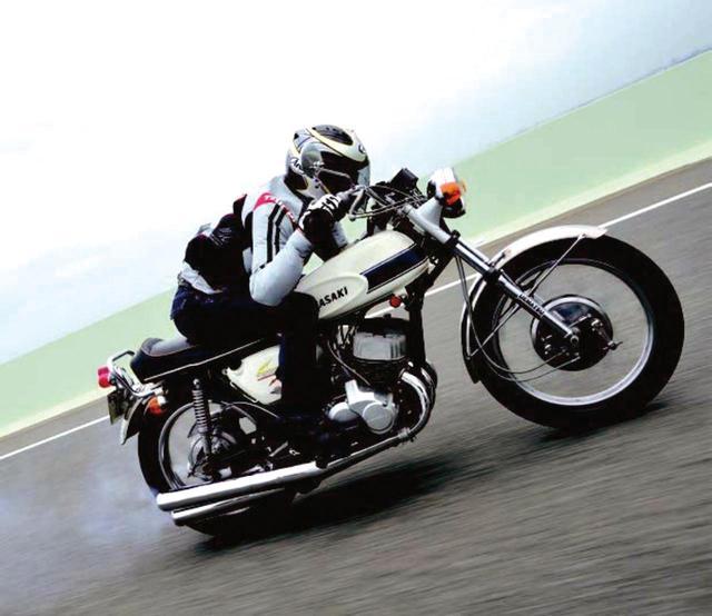 画像: 驚くべき加速性能と乗り手を選ぶハンドリング