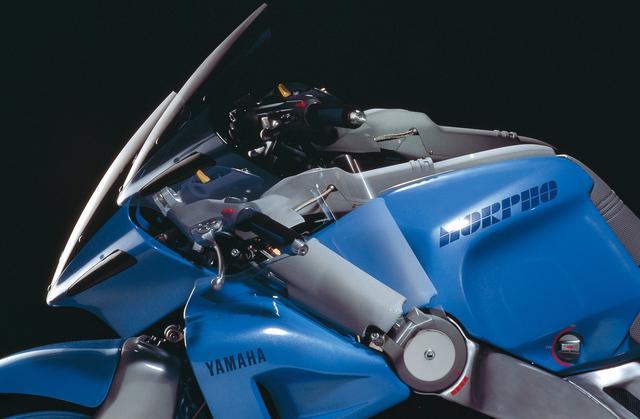 画像: フレーム位置にピボット機構を持つハンドルポジション可変システム。ハンドル高さだけではなく、ハンドルタレ角と絞りも可変。