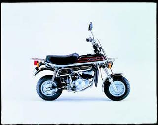 スズキ エポ 1979 年 4月