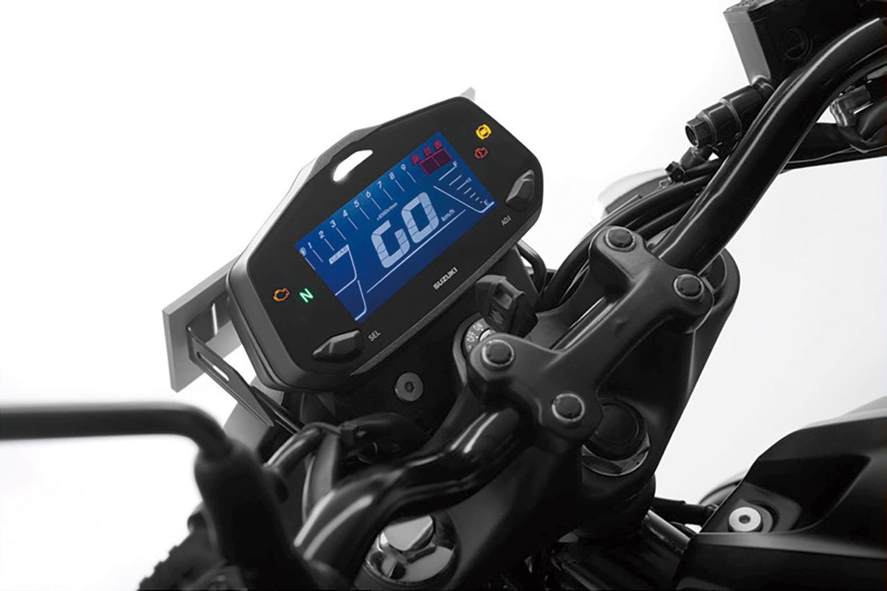 画像: 反転表示の液晶デジタルメーターはバーグラフ式のタコメーターを採用。ギアポジションインジケーターも備えた多機能型だ。