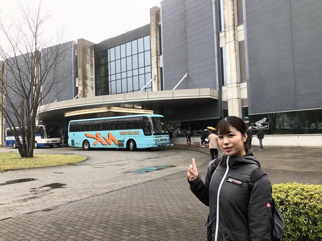 画像: シャトルバスは駅からツインリンクもてぎ内のホンダコレクションホールまで一直線。早くて安くて快適!