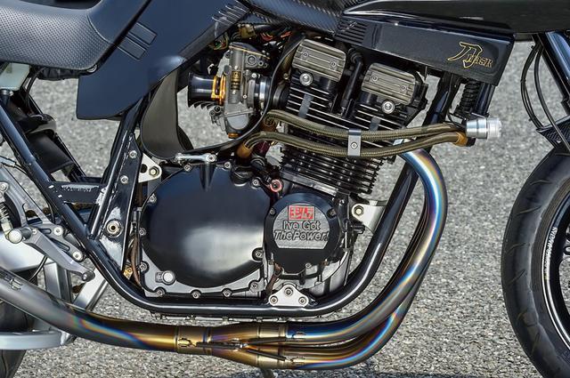 画像: φ74mmヨシムラピストンで1135.8cc化し、同ST-1カムなどを組んだ1135Rのエンジン(ヨシムラ計測値で150ps超)の仕様は、基本的にそのまま継承している。